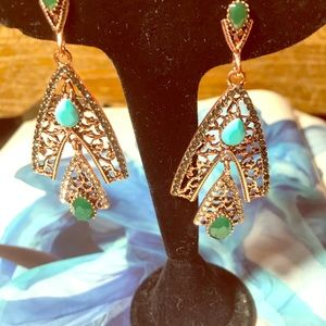 Fab rose gold sparkly Betsey earrings, Love !